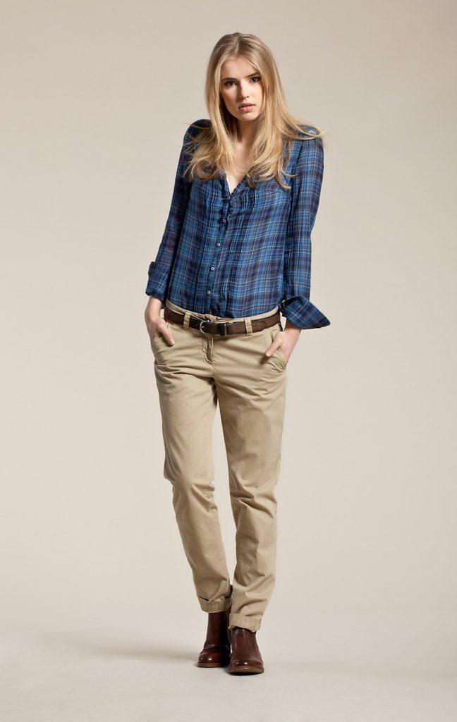 Темно-бежевые женские брюки чинос