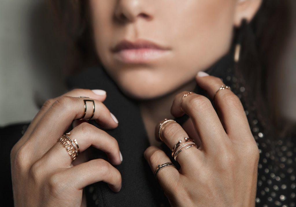 Красивые золотистые фаланговые кольца