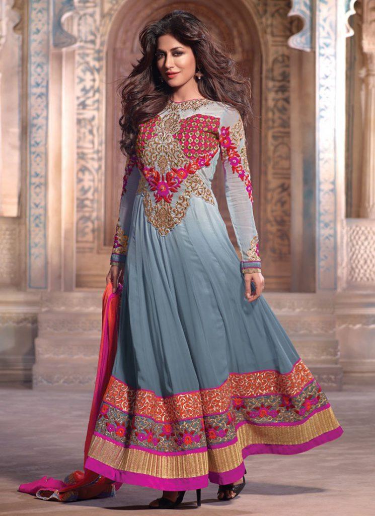 Яркое современное индийское платье