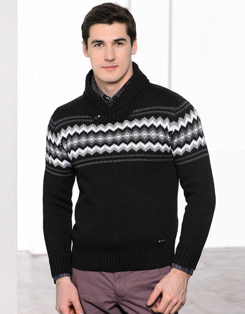 Черно-белый мужской свитер