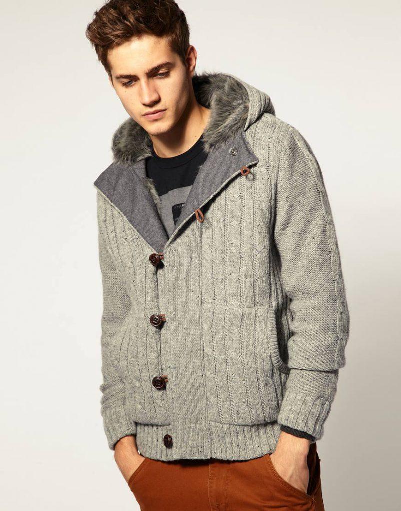 Серый мужской свитер с капюшоном