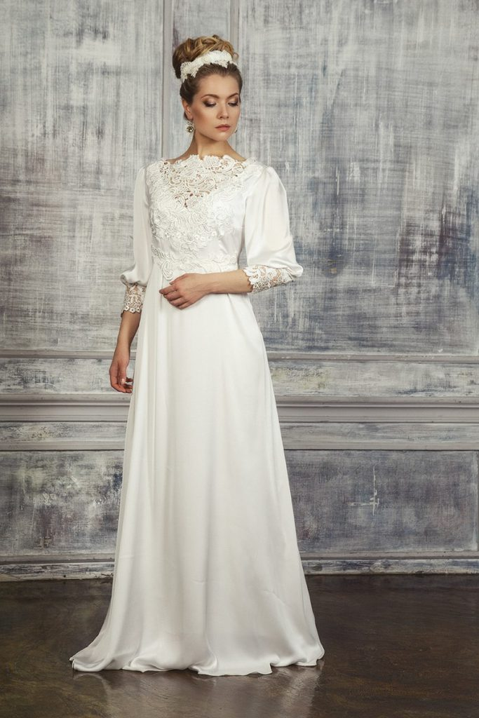 Винтажное свадебное платье из атласа