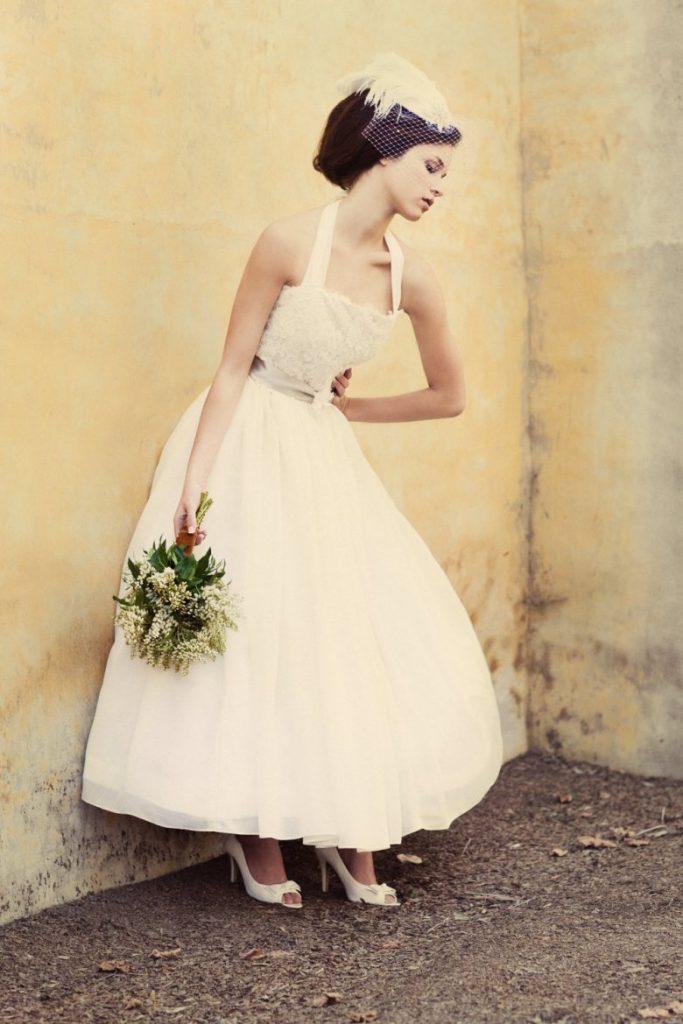 Винтажное свадебное платье с пышной юбкой