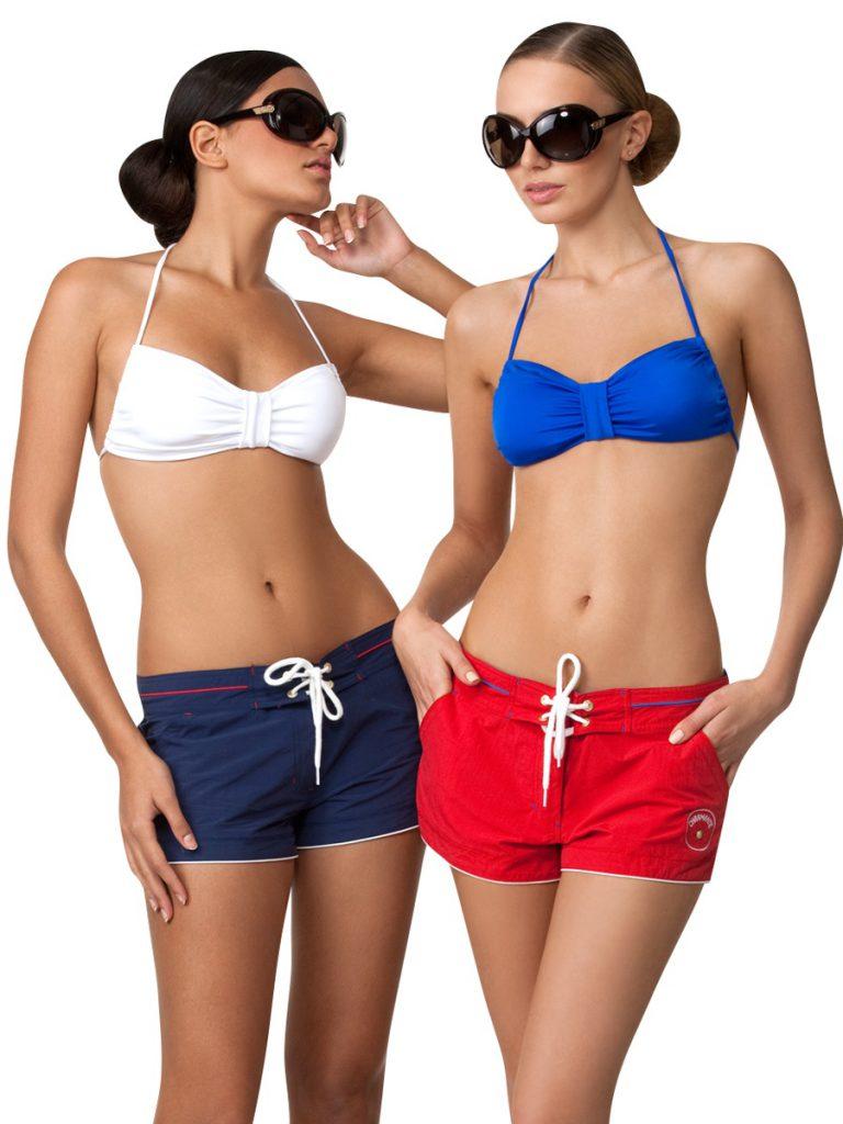 Красные и синие пляжные женские шорты
