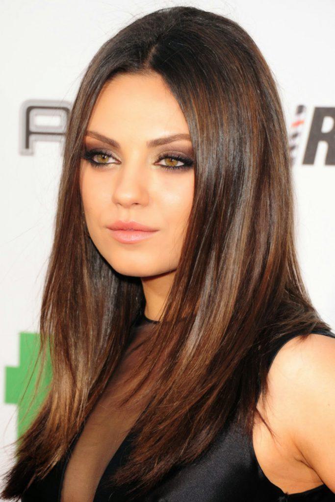 Прямые средней длины волосы