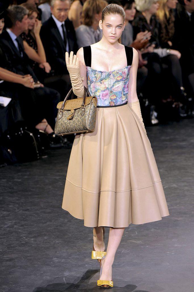 Модное платье в ретро стиле
