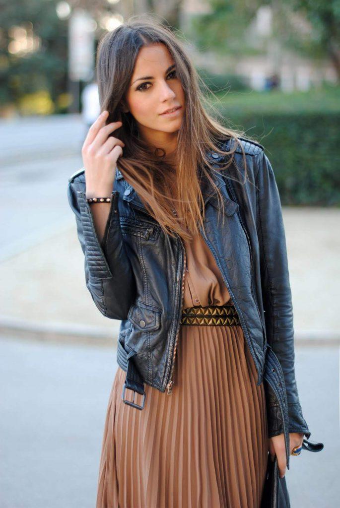 Кожаная куртка с юбкой в пол