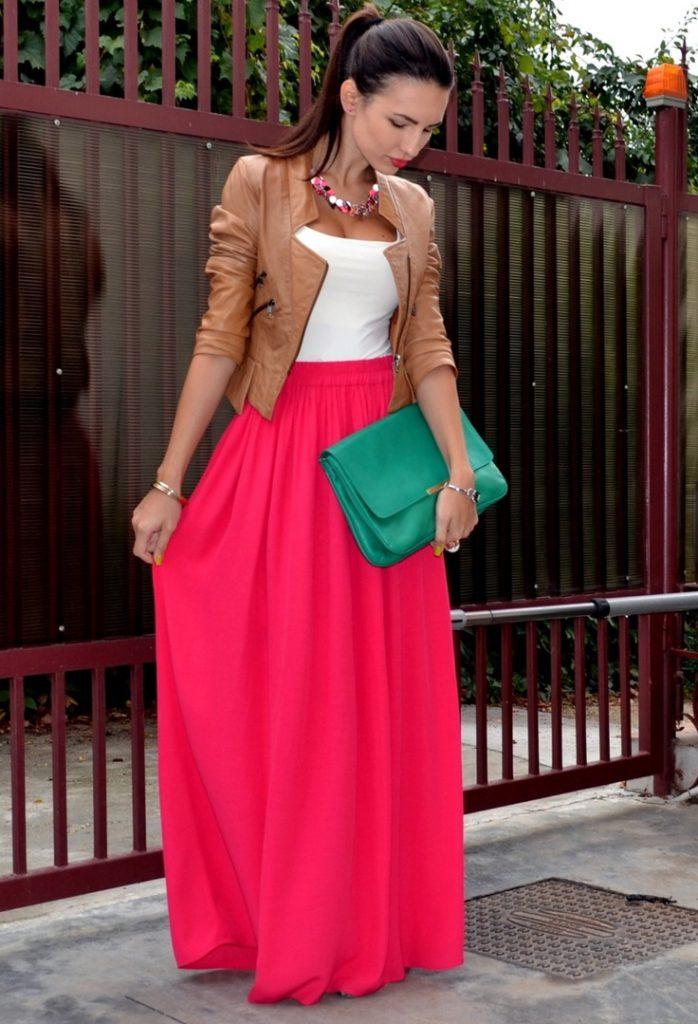 Яркая розовая юбка в пол