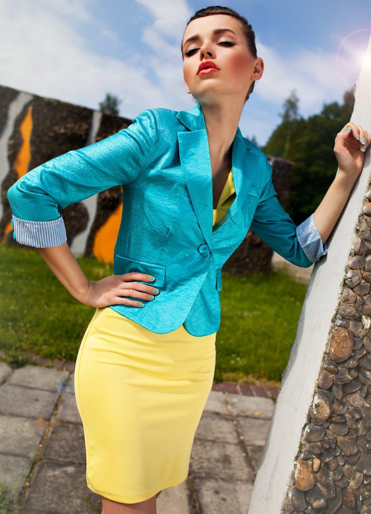 Бирюзовый и желтый цвета в одежде