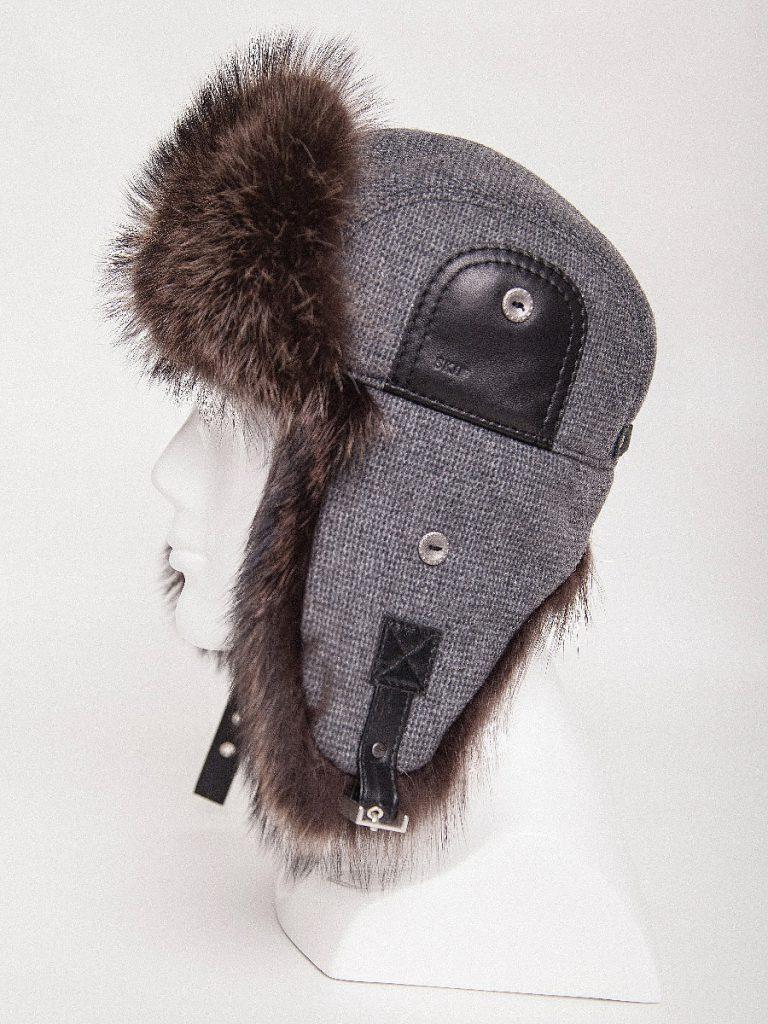 Мужская шапка ушанка из ткани, меха и кожи