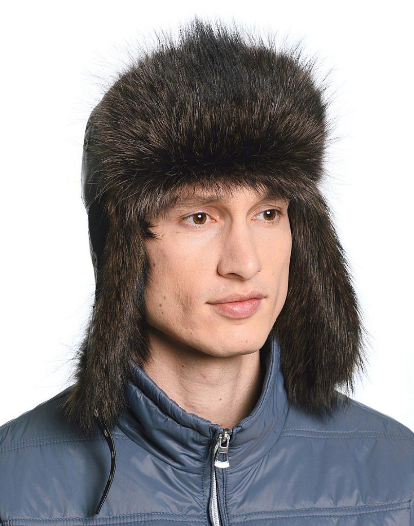 Коричневая мужская шапка ушанка