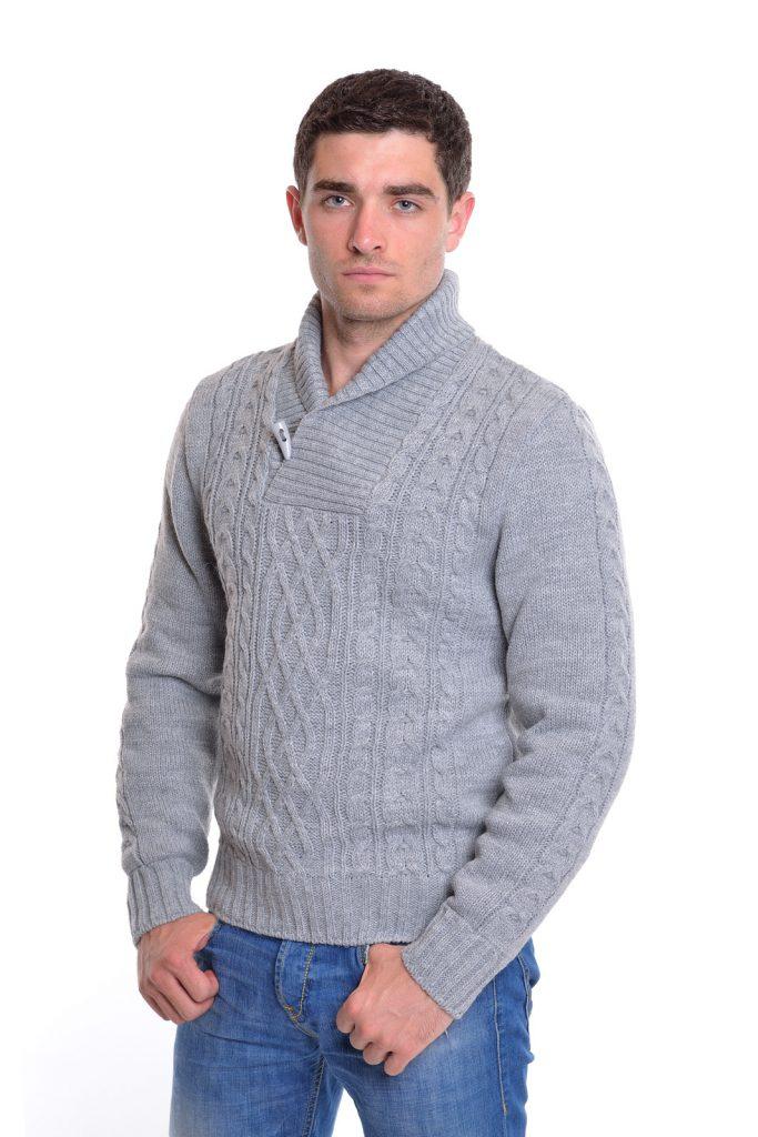Серый теплый вязаный мужской джемпер