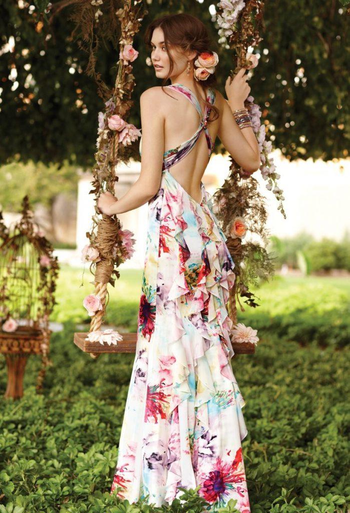 Цветочное свадебное платье с открытой спиной