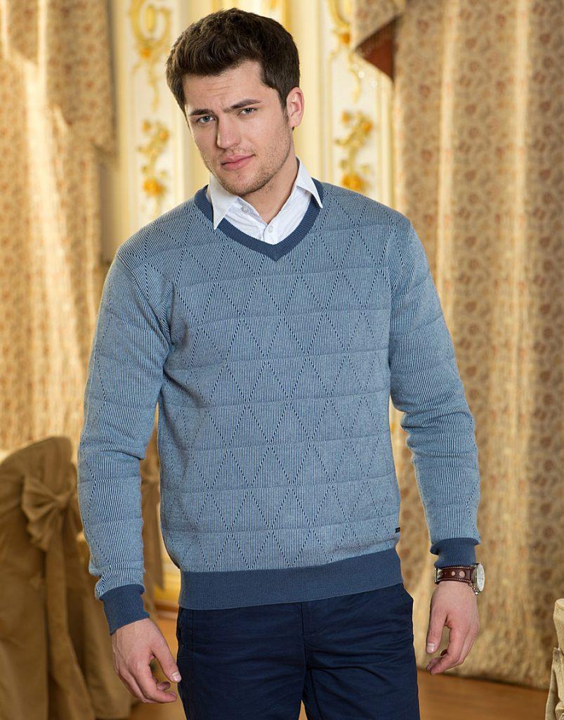 Сине-белый мужской пуловер с рубашкой