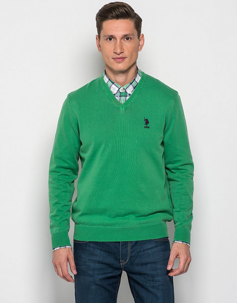 Зеленый мужской пуловер
