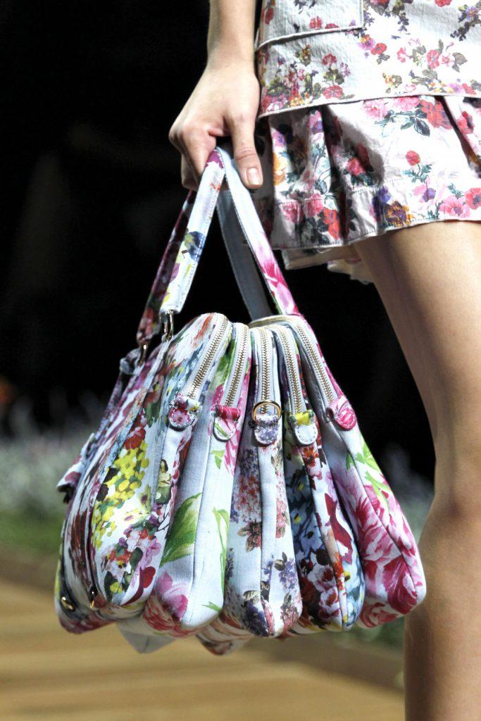 Необычная сумка с цветочным принтом