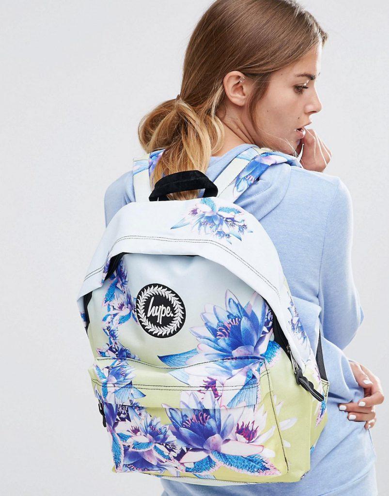 Белый рюкзак с цветочным принтом