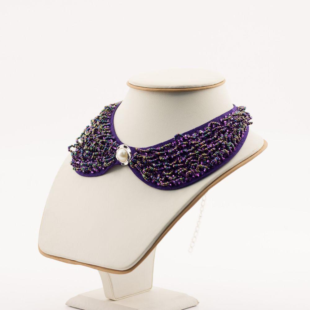 Фиолетовый съемный воротник с бисером
