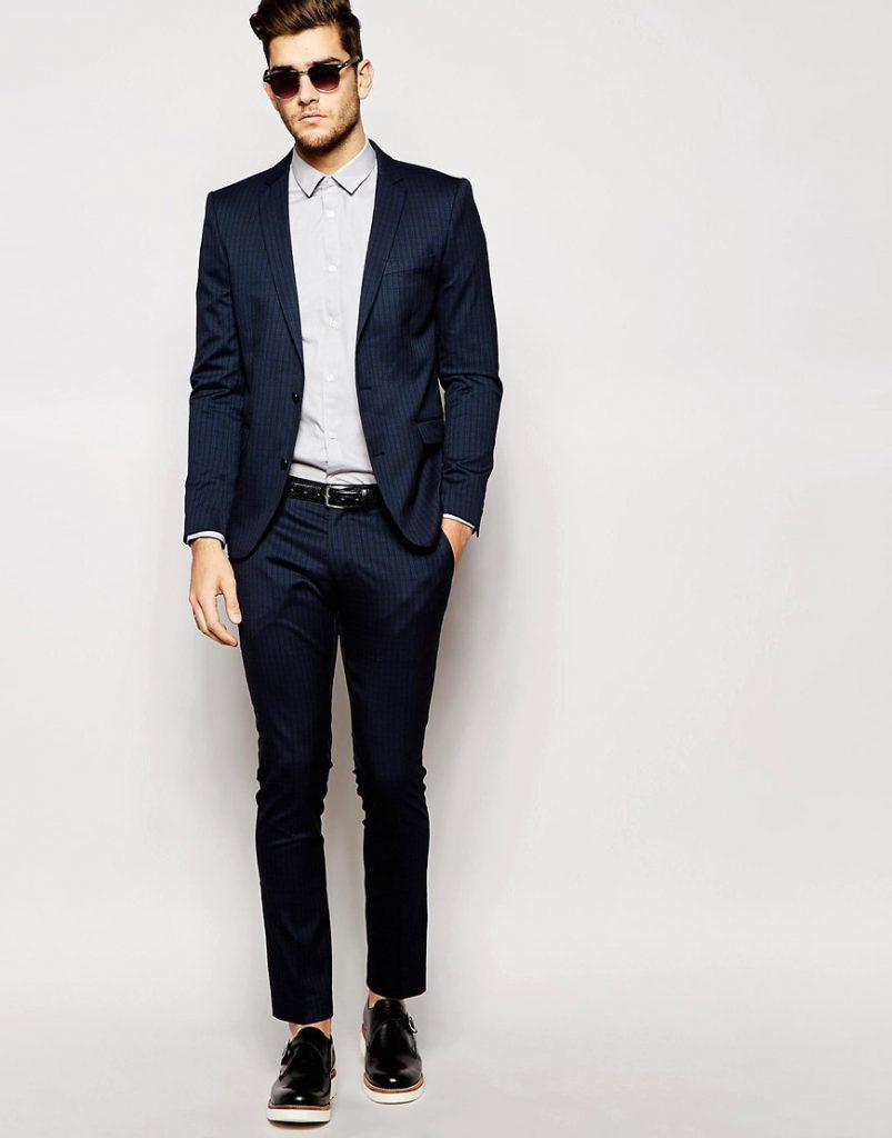 Черно-синий мужской костюм
