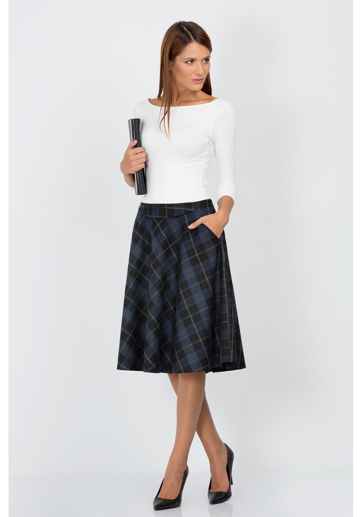 С чем носить короткие клетчатые юбки