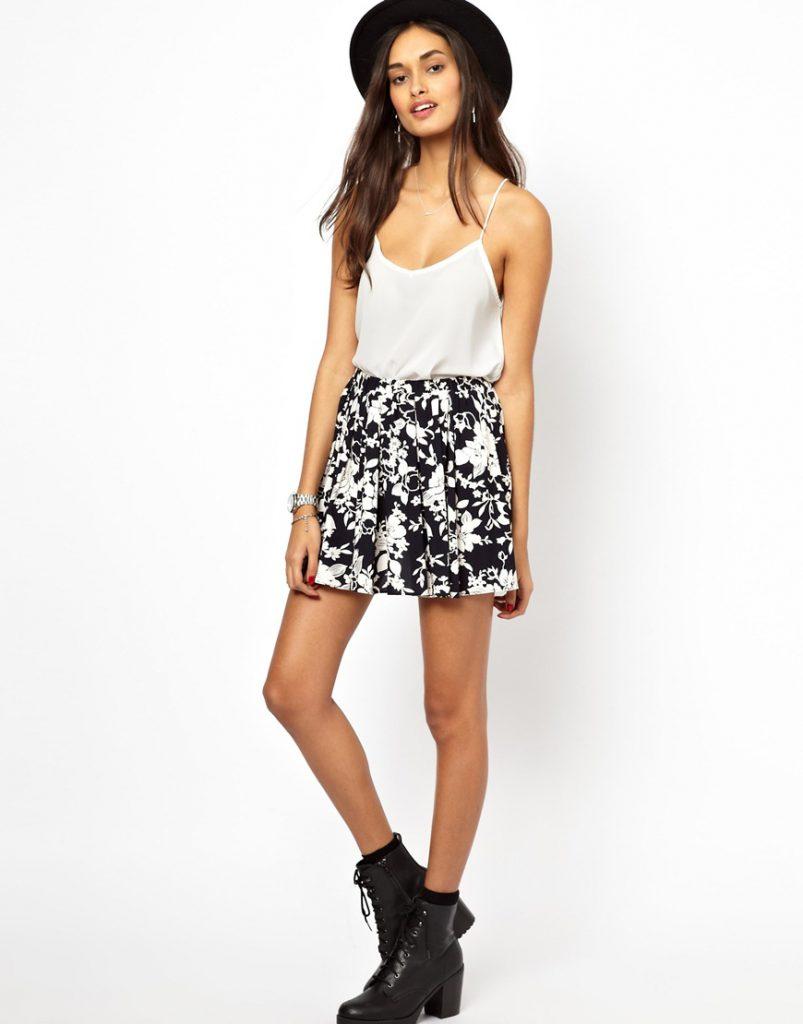 Цветочная черно-белая юбка с белым топом