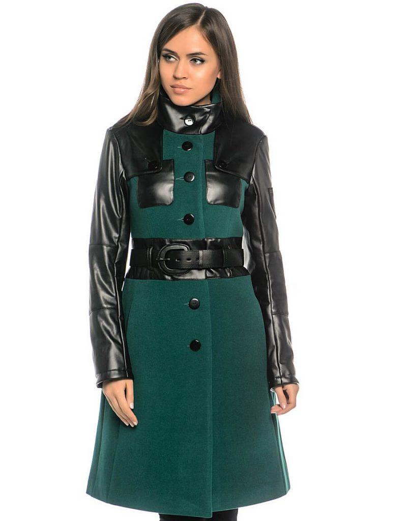 Стильное зеленое пальто с кожаными вставками