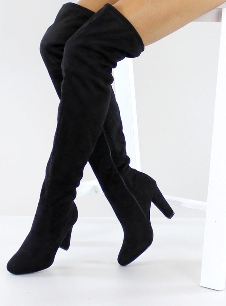 Черные замшевые женские сапоги