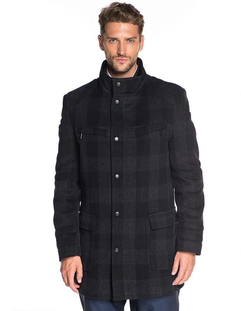 Клетчатое мужское черное пальто