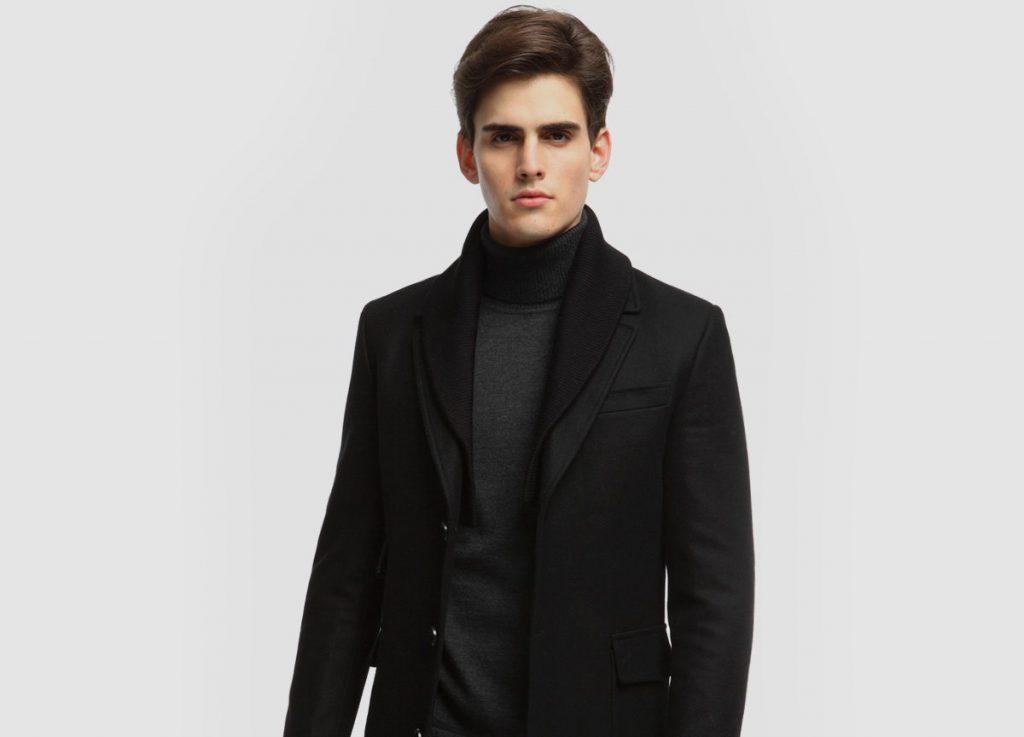 Черное мужское пальто