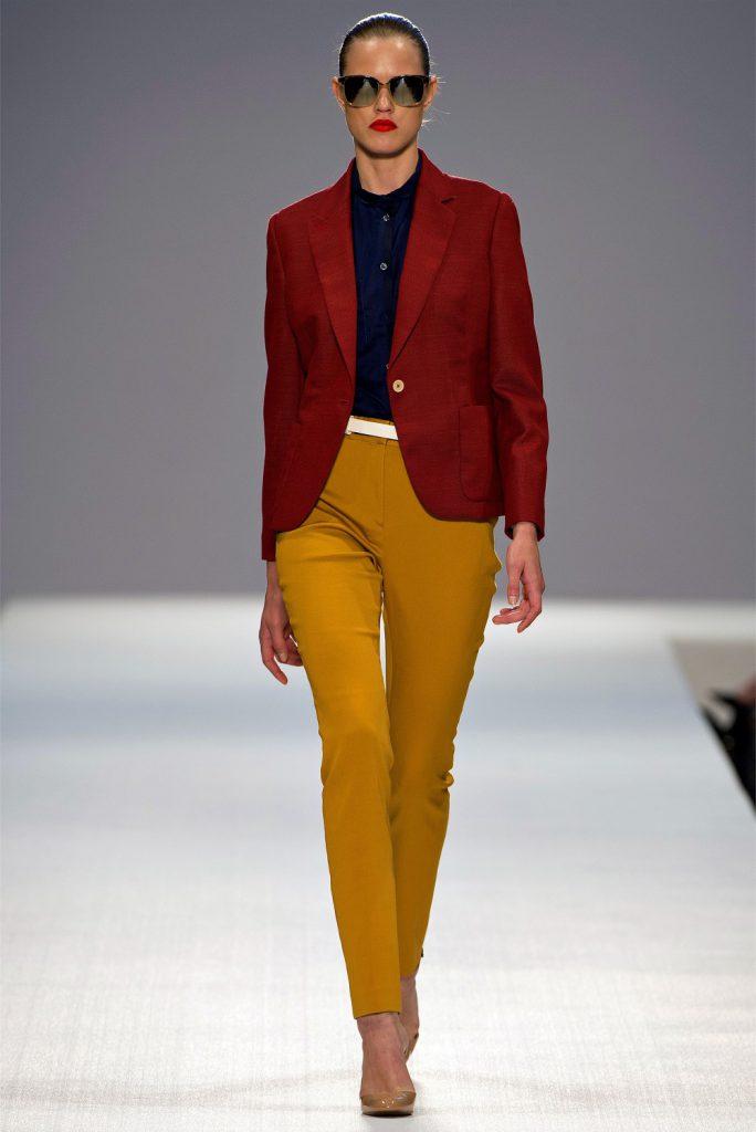 Горчичный и коричневый цвета в одежде