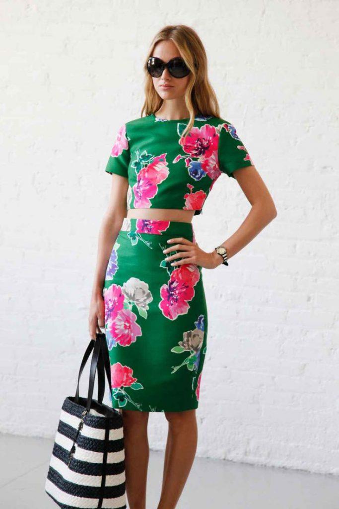 Изумрудно-цветочный комплект одежды