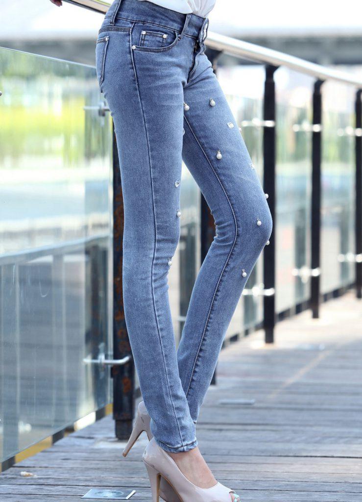 Украшение джинс бусинами