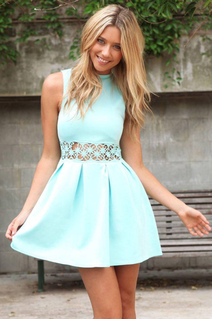 Короткое мятное платье