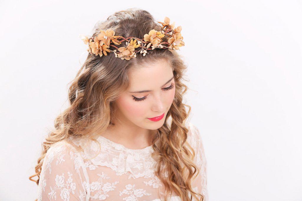Модный ободок для волос с цветами