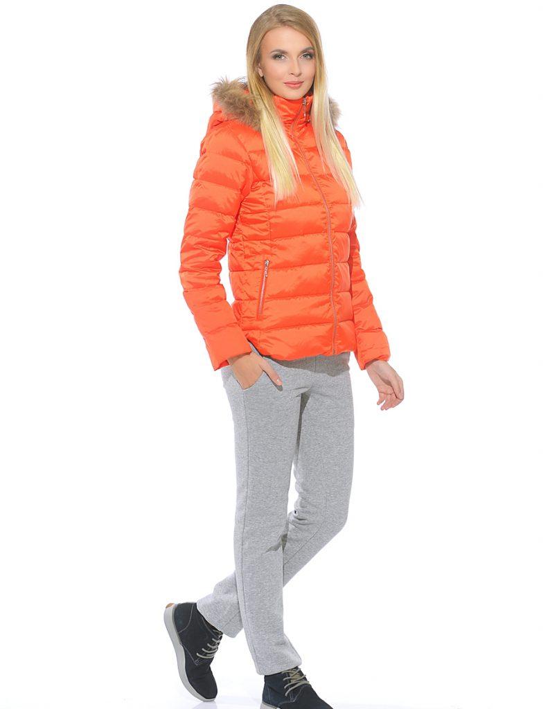 Оранжевый и серый цвета в одежде