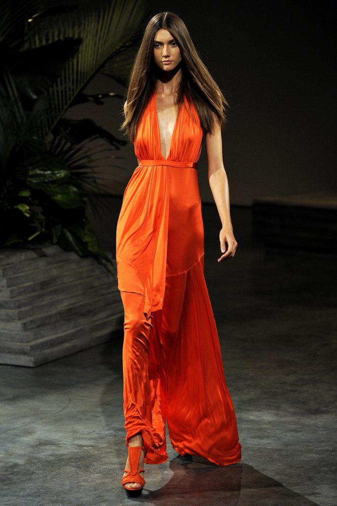 Вечернее оранжевое платье