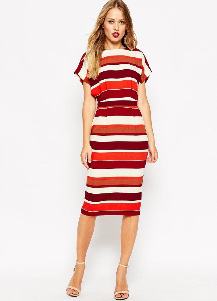 Красно-белое платье в полоску