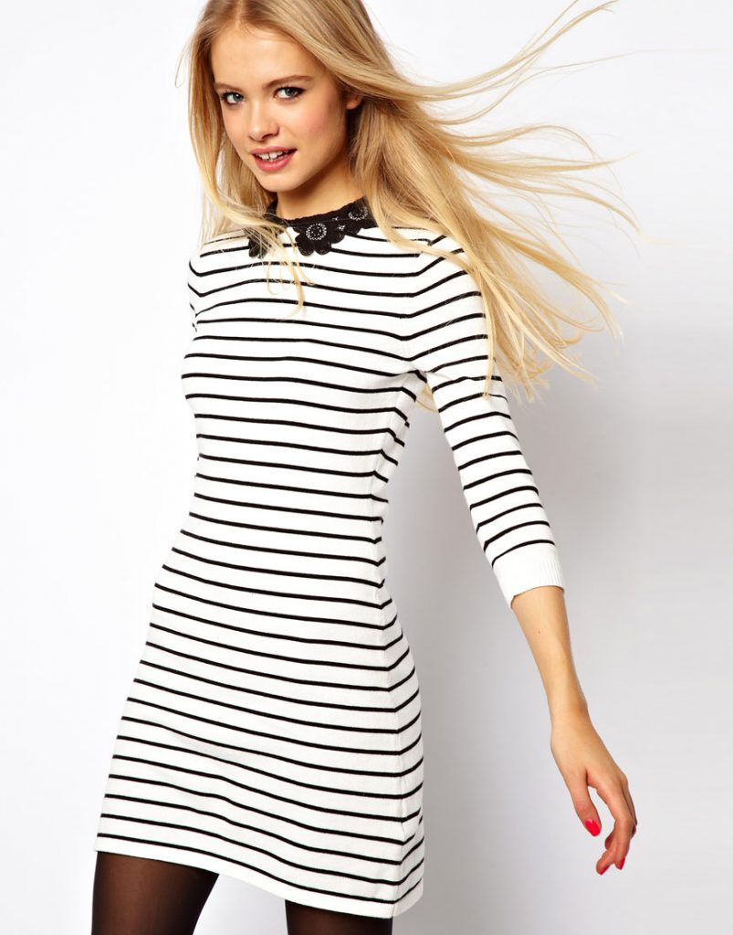 Черно-белое платье в узкую горизонтальную полоску