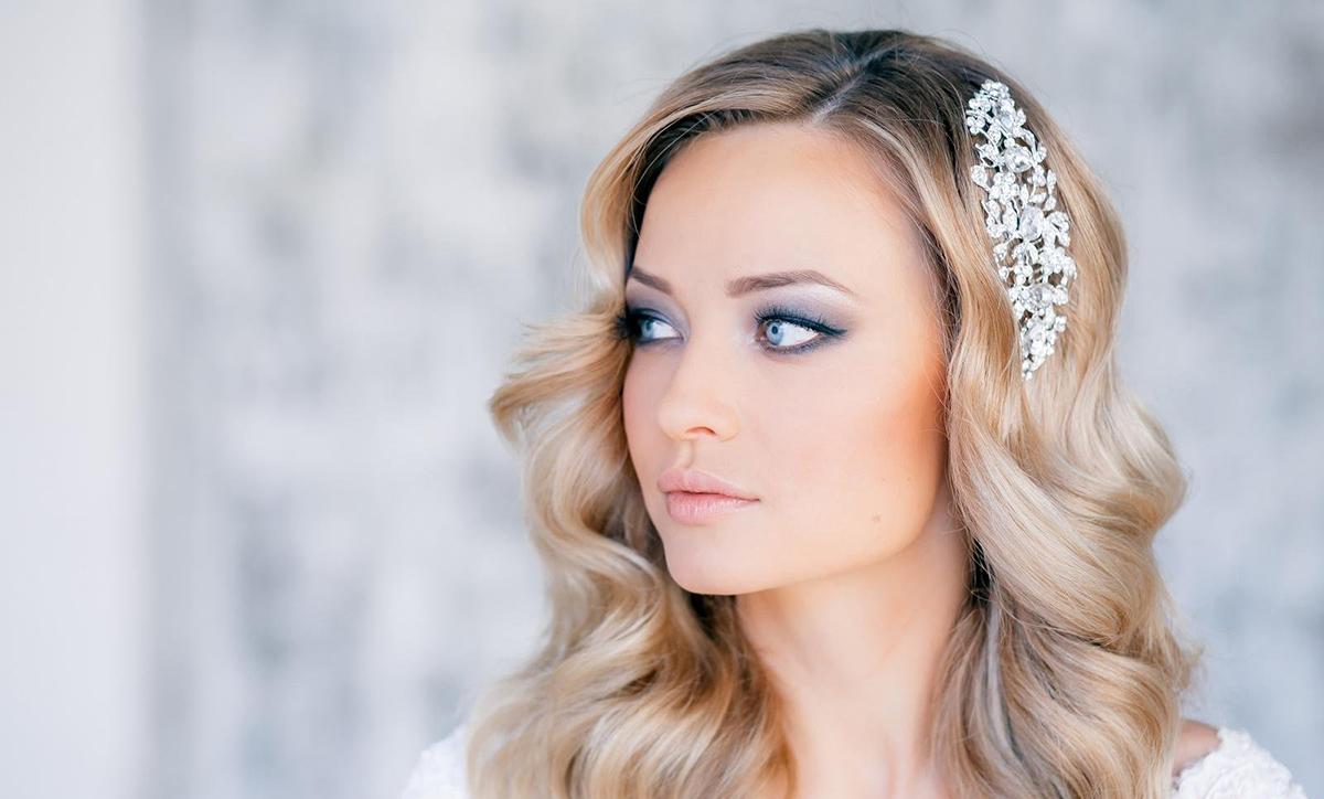 Свадебная прическа на жидкие волосы средней длины фото