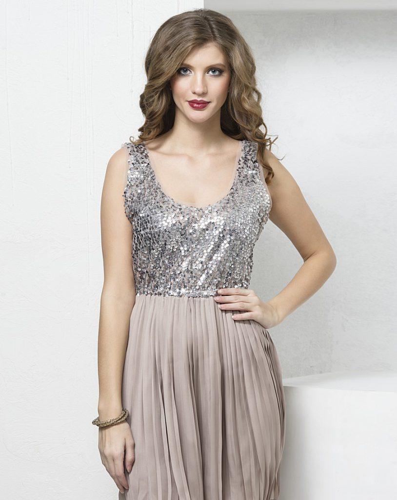 Вечерний макияж и серебристое платье