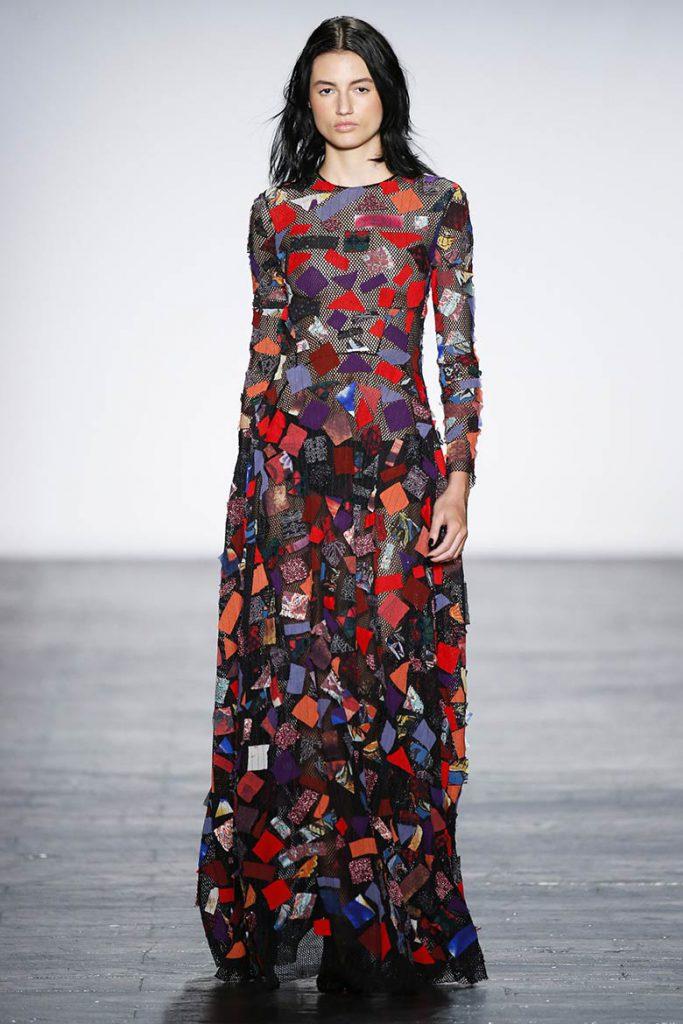 Пестрое длинное платье для встречи 2017 года