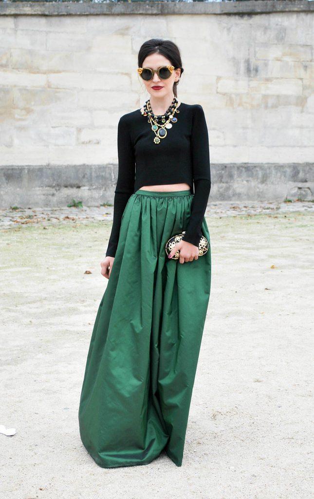Зеленая юбка с черным верхом