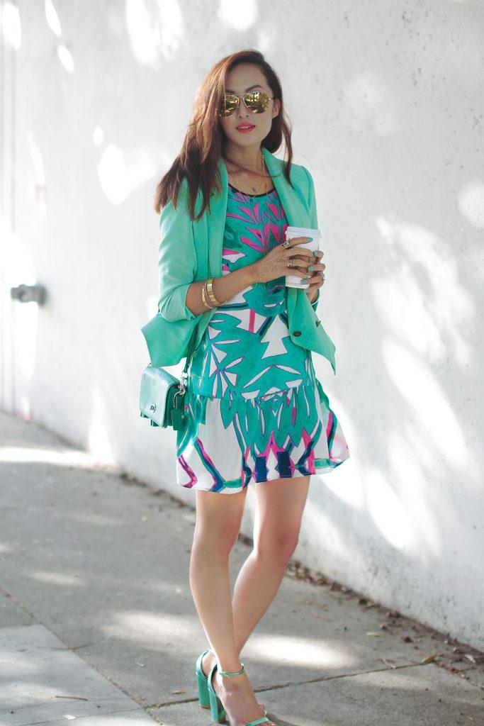 Нежный зеленый цвет в одежде