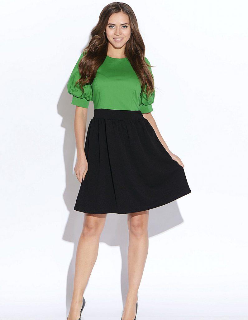 Сочетание зеленого с черным в одежде