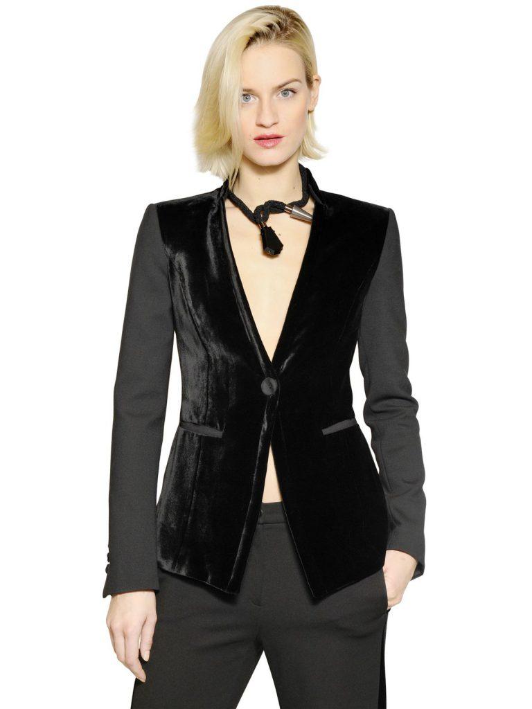 Черный женский пиджак из бархата и ткани