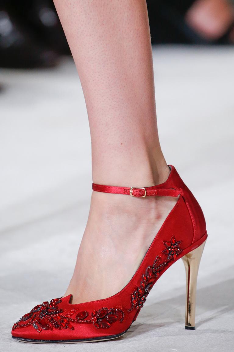 Как украсить туфли бусинами своими руками