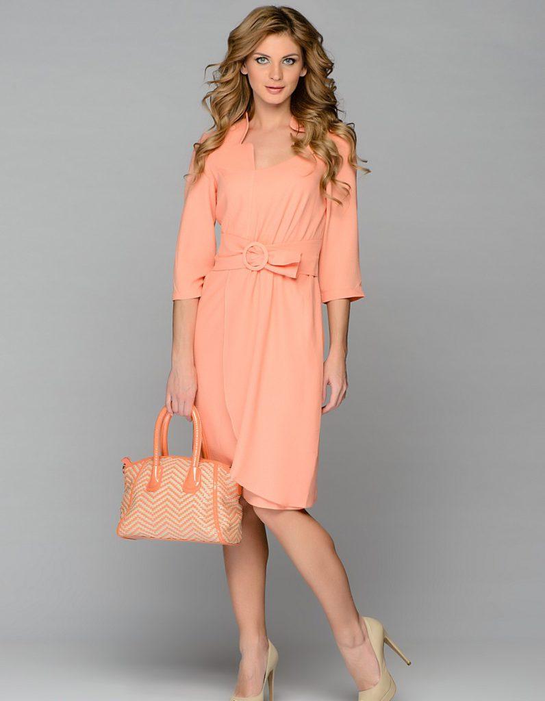 Коралловое платье для цветотипа лето