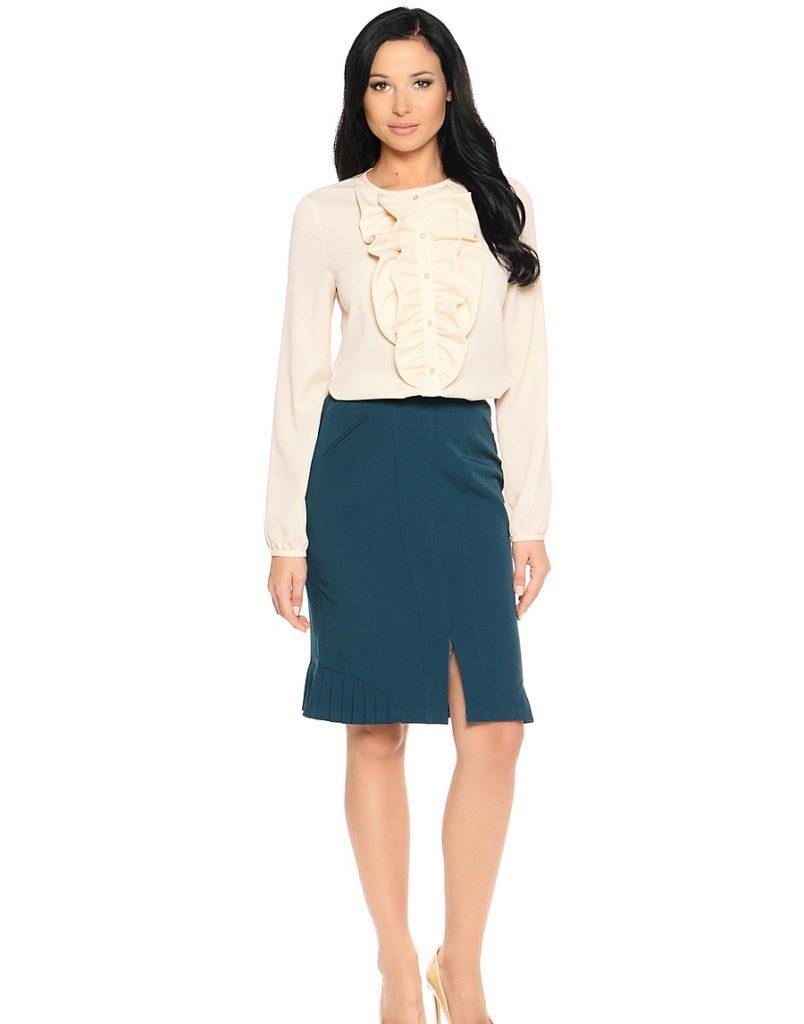 Классическая кремовая блузка