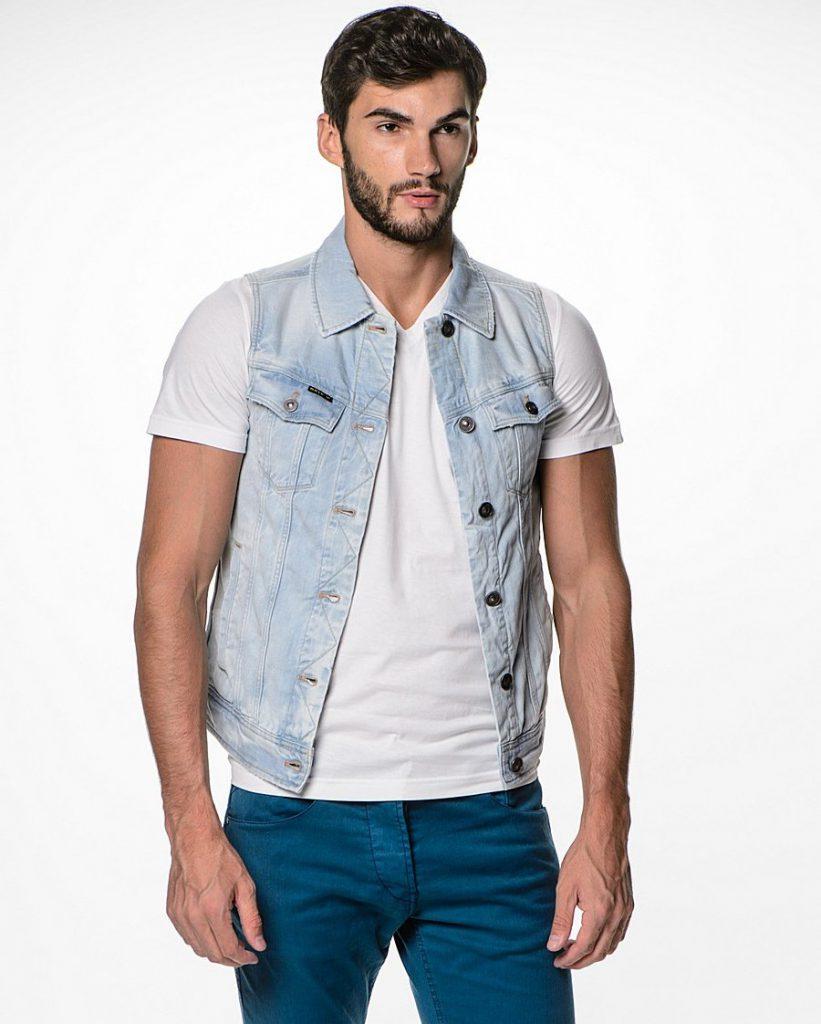 Мужской джинсовый жилет с бирюзовыми брюками