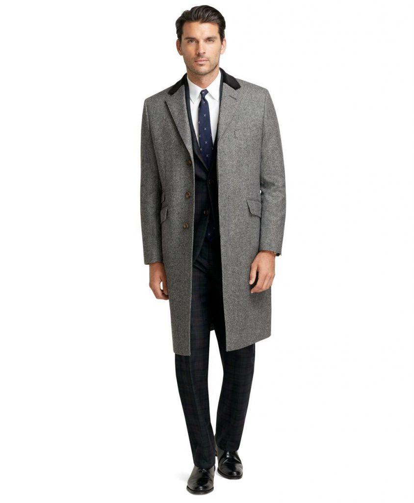 Серое пальто с черным смокингом